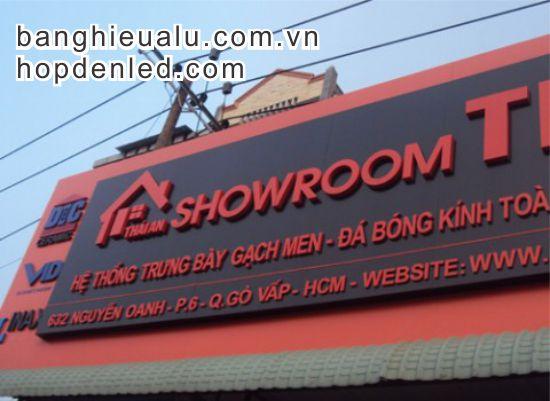 bảng quảng cáo cho showroom