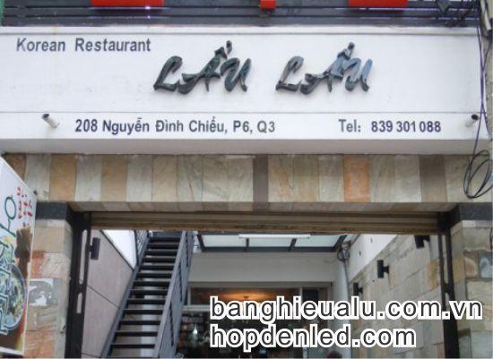 bảng hiệu mica quán ăn